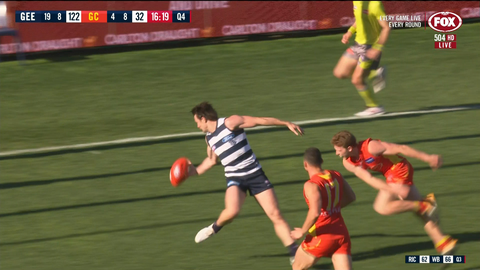 Geelong Cats V Gold Coast Suns Patrick Dangerfield Takes Epic One Handed Mark Sporting News Australia