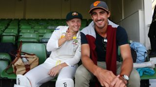 Alyssa Healy and Mitchell Starc