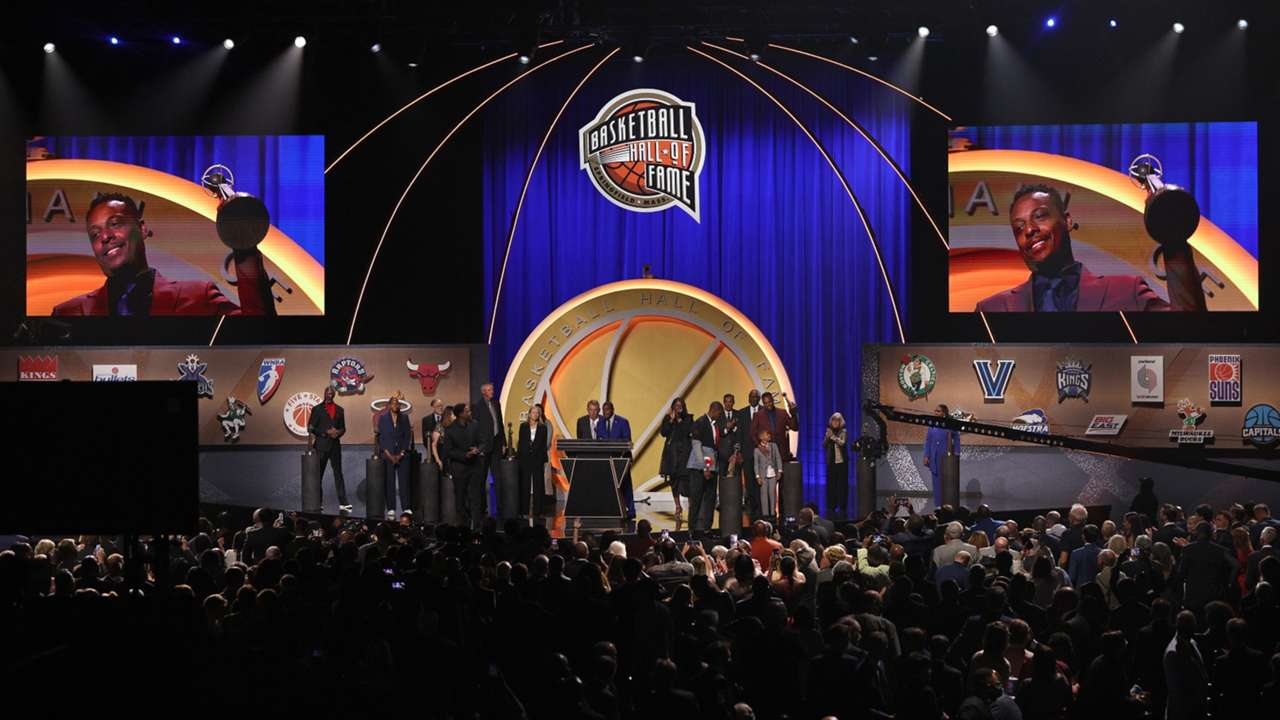 The 2021 Naismith Basketball Hall of Fan class on stage at the end of the ceremony.