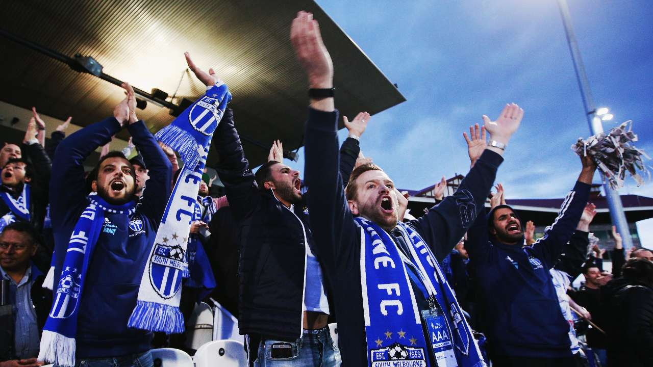 South Melbourne fans at Lakeside Stadium