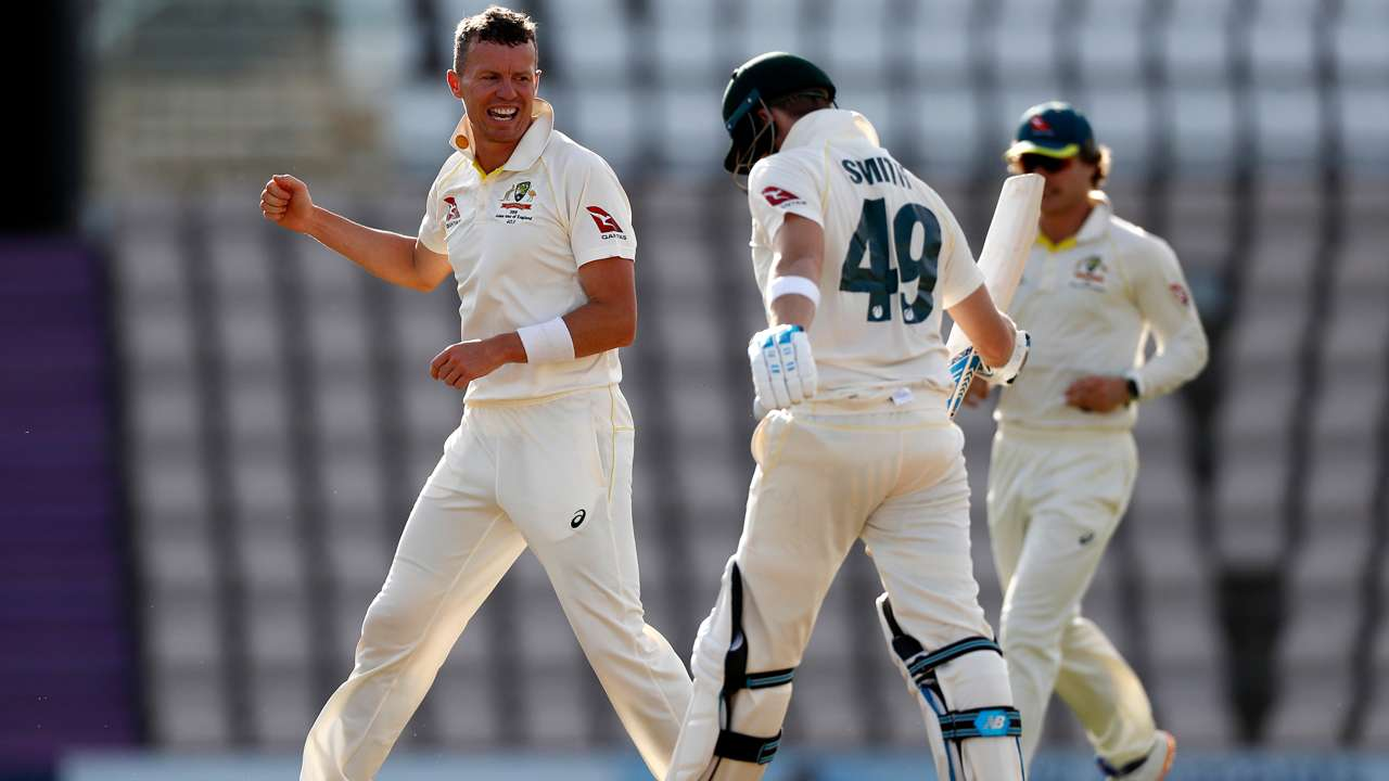 Peter Siddle Steve Smith
