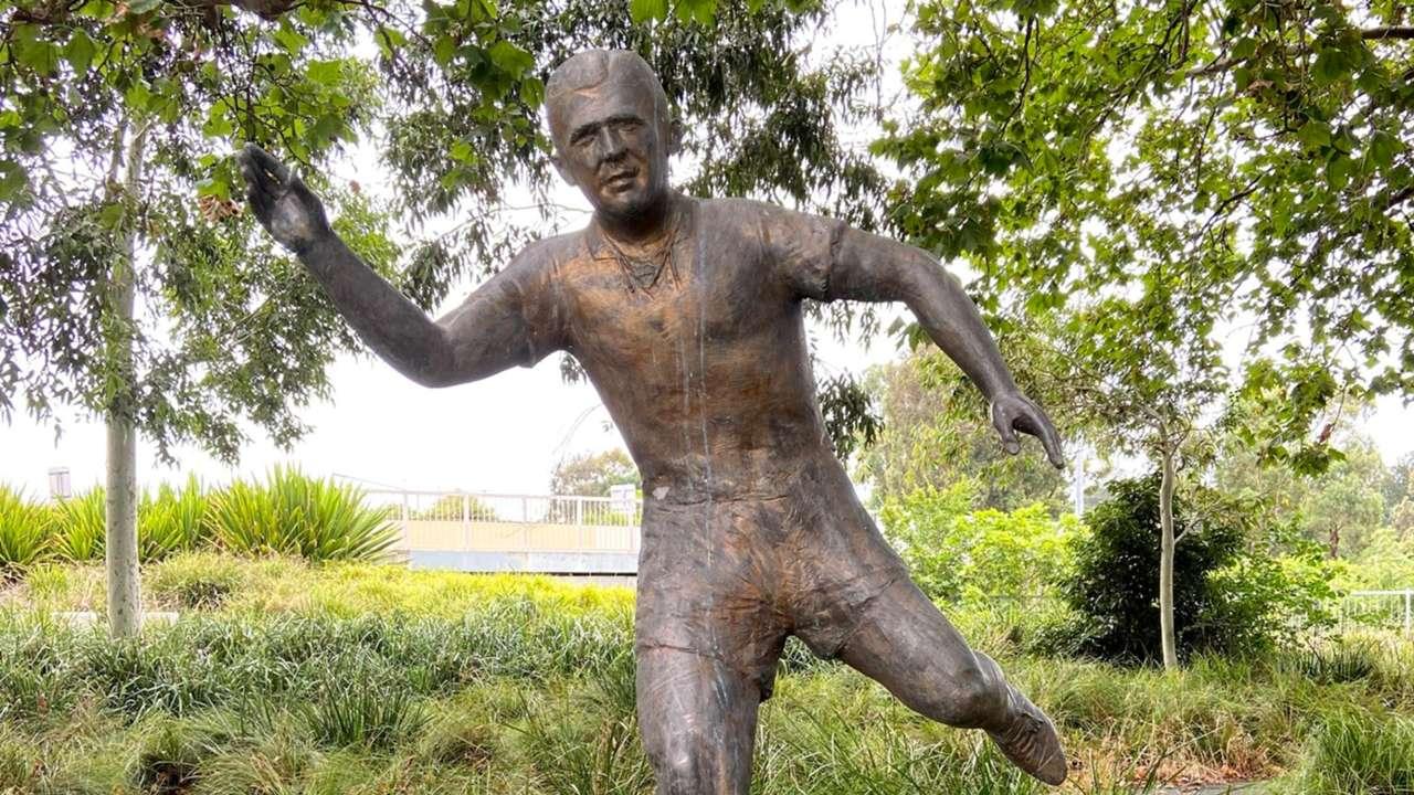 Ferenc Puskas statue