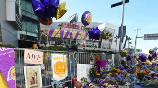 Fans honor Kobe Bryant outside of the Staples Center