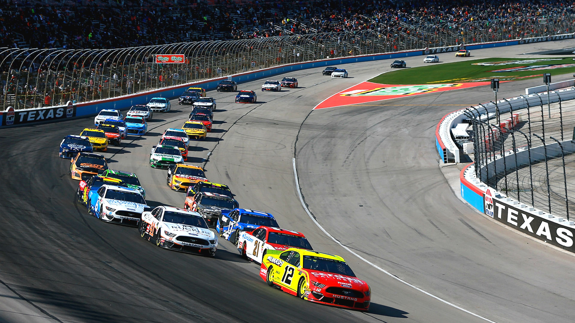 what time does the nascar race start today 2013