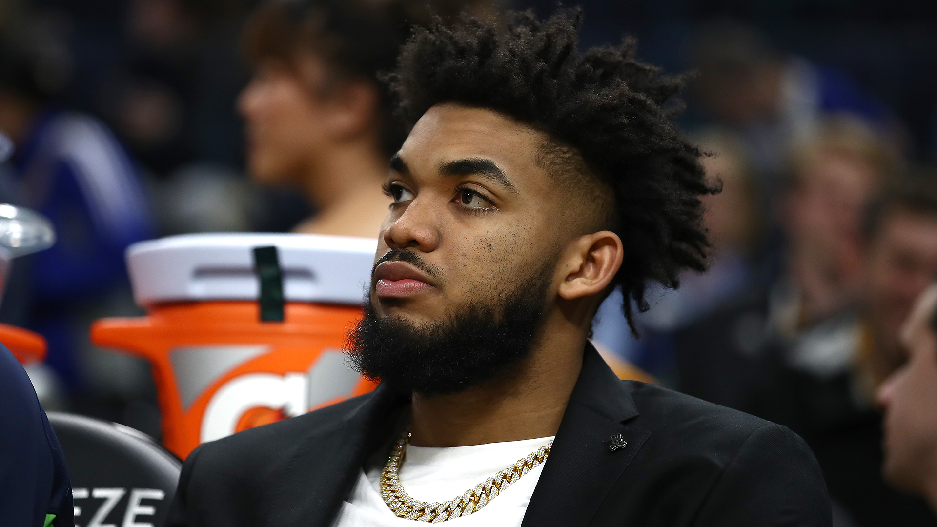 Timberwolves' Karl-Anthony Towns announces positive COVID-19 test result
