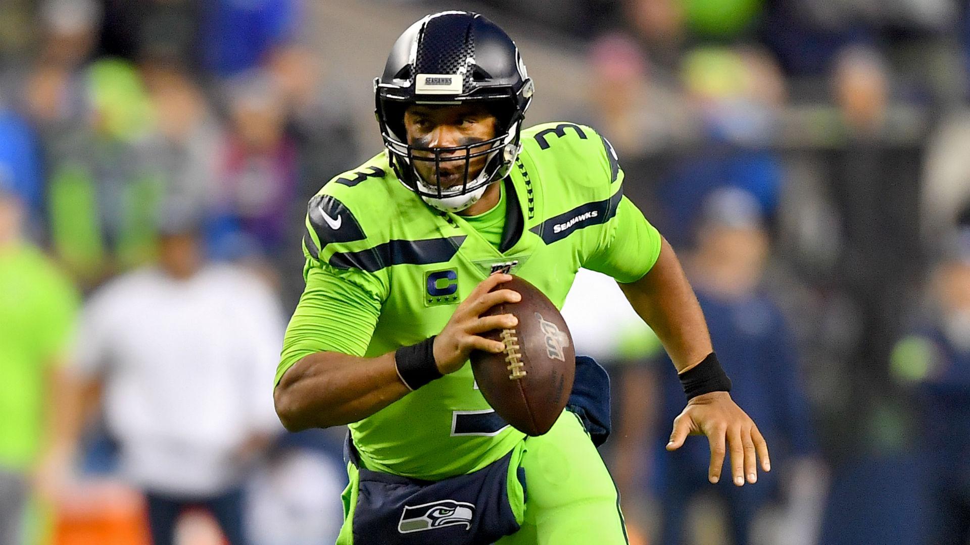 Russell Wilson quiere uniformes de retroceso de los Seahawks, y podría obtener su deseo 14