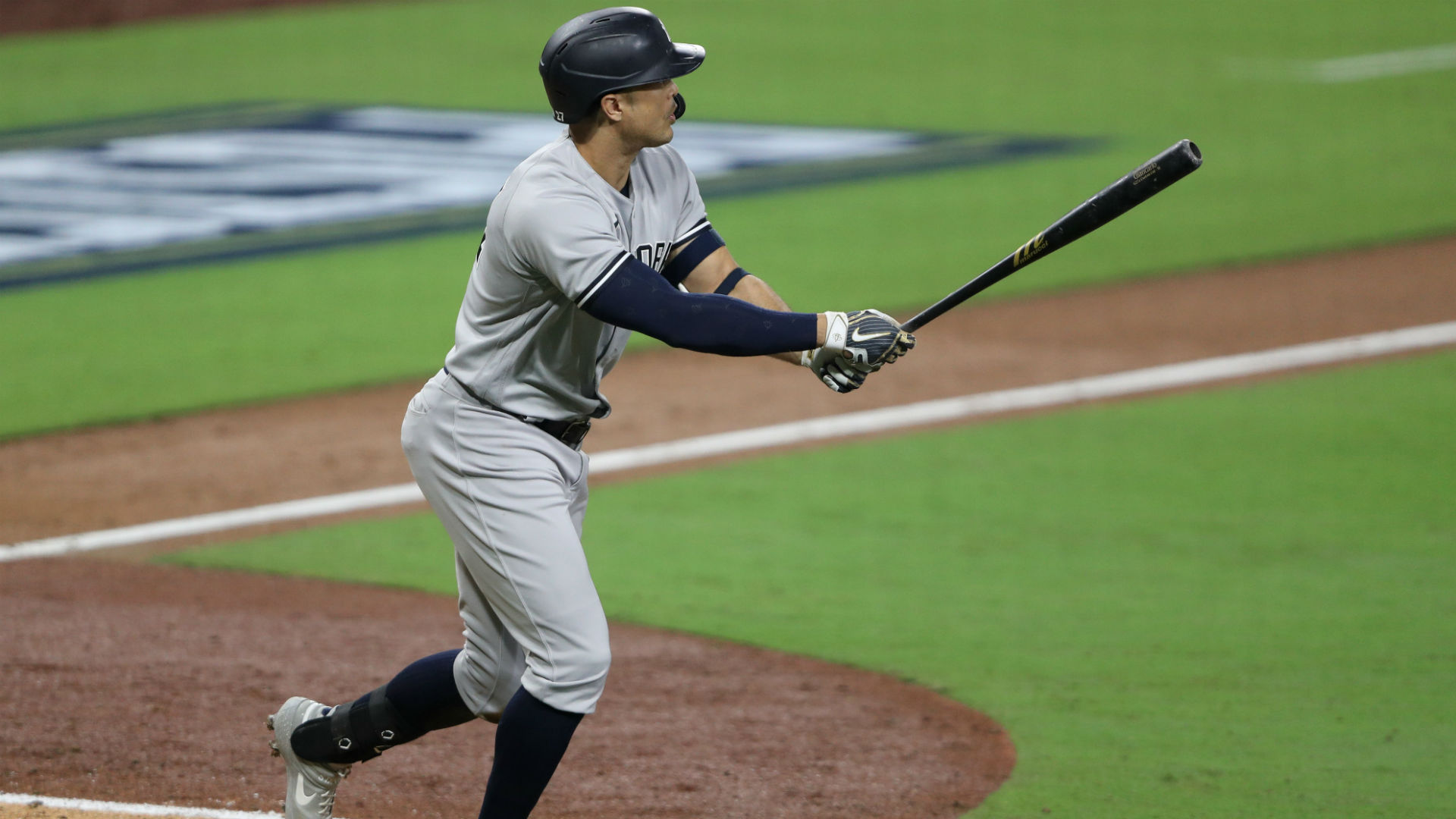 Giancarlo Stanton homers in third-straight postseason game, lifts Yankees over Rays with grand slam