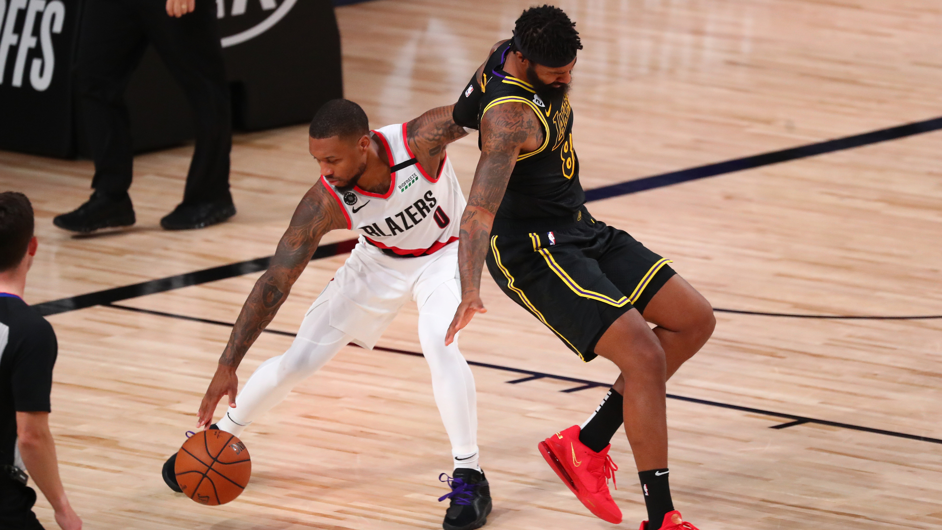 Damian Lillard injury update: Trail Blazers star leaves Game 4, undergoes MRI on right knee 1