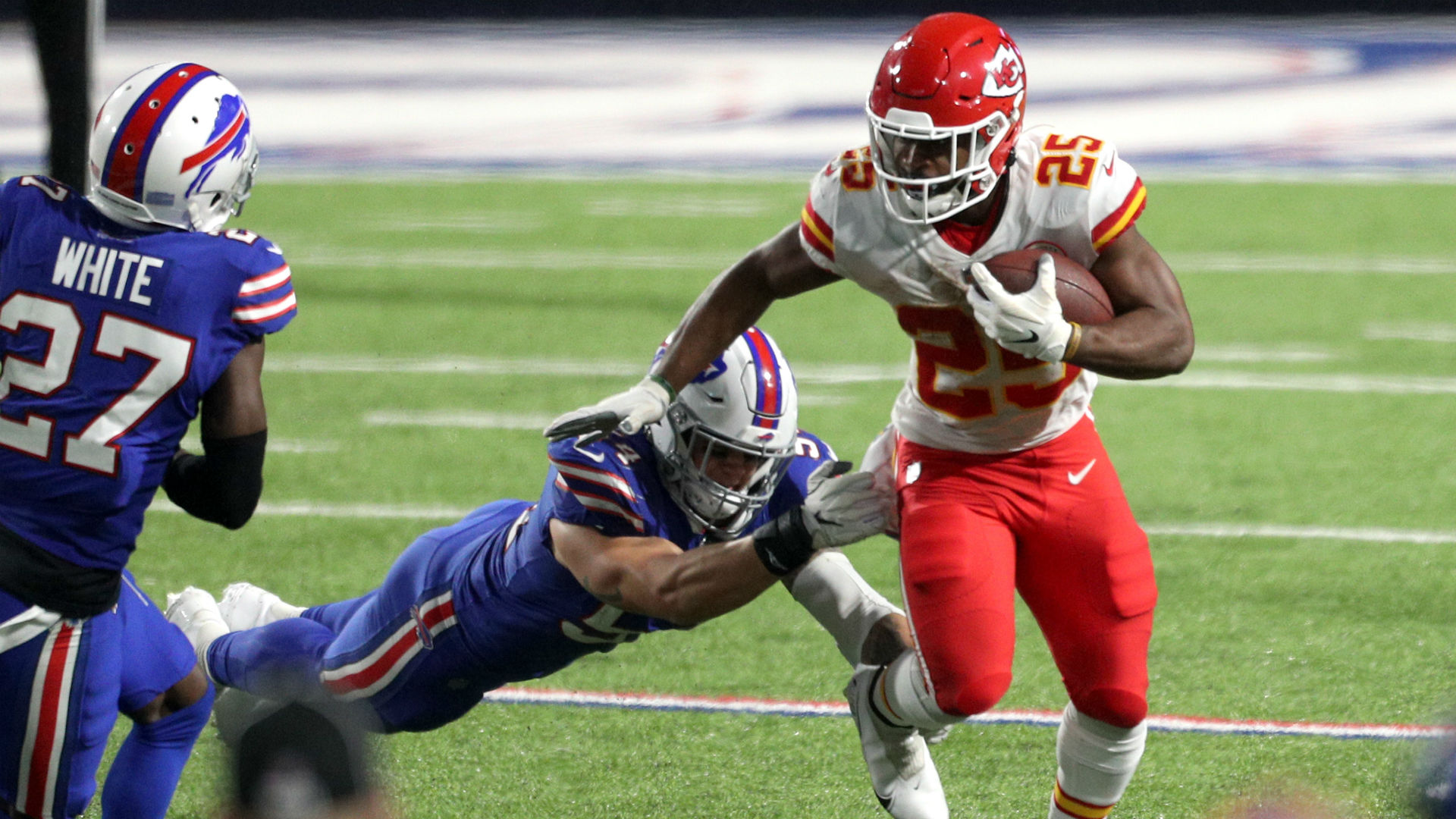 Chiefs Vs Bills Score Results Clyde Edwards Helaire Runs Over Buffalo Defense In Kansas City Win Sporting News