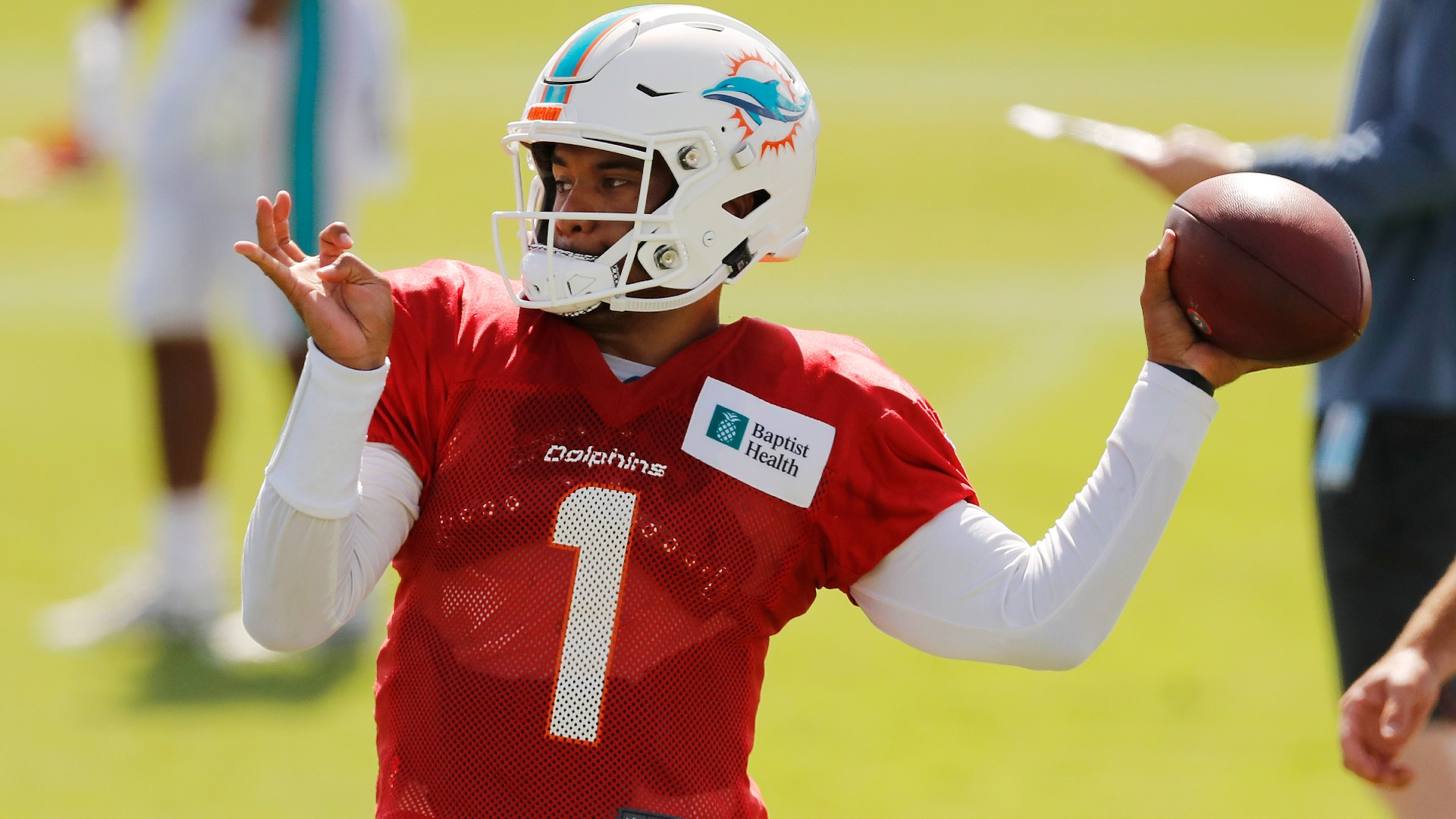 When will Tua Tagovailoa start for Dolphins? Miami's patience with rookie  QB leaves 2020 debut in flux | Sporting News
