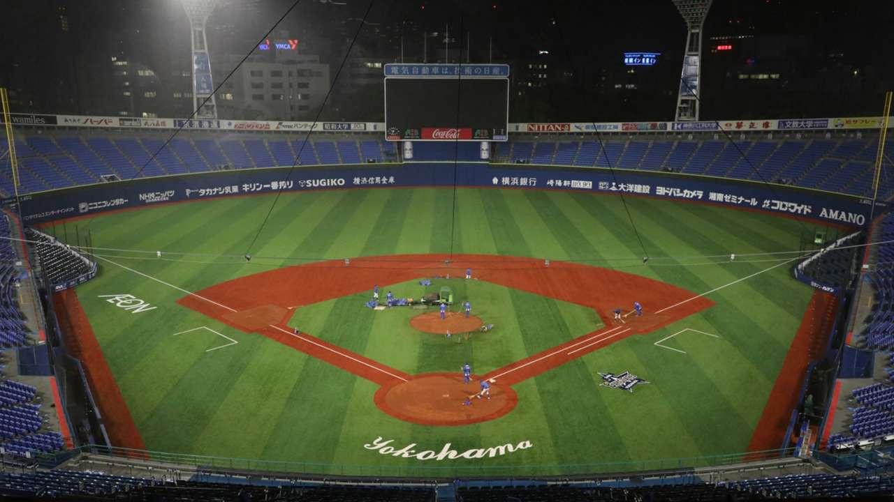横浜スタジアム新