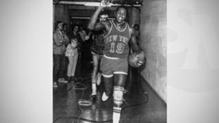 Knicks-vs.-Lakers-(1973)-053116-AP-FTR.jpg