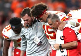 mahomes-injury-101719-getty-ftr