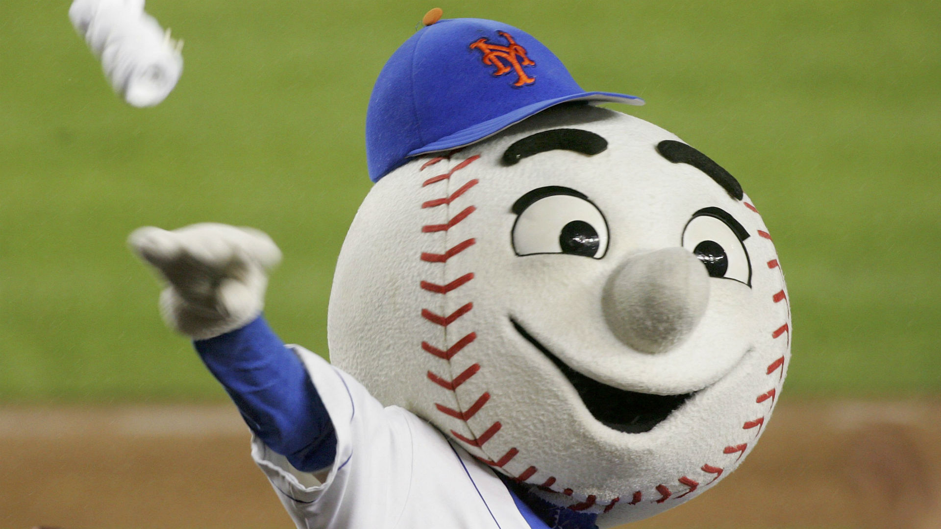 Taijuan Walker shows deference to Mr. Met, chooses different number out of respect