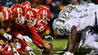 Chiefs-Raiders-101917-Getty-FTR.jpg