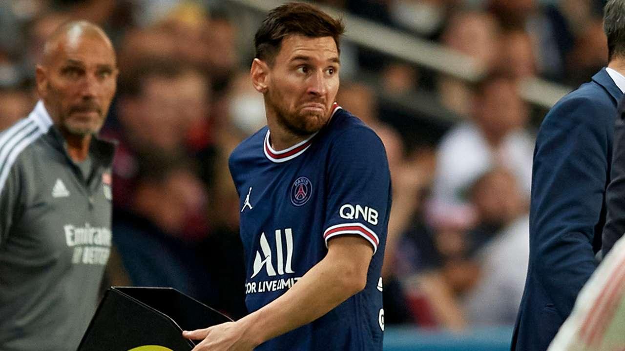 Lionel Messi - reaction - substitution - PSG - September 19, 2021