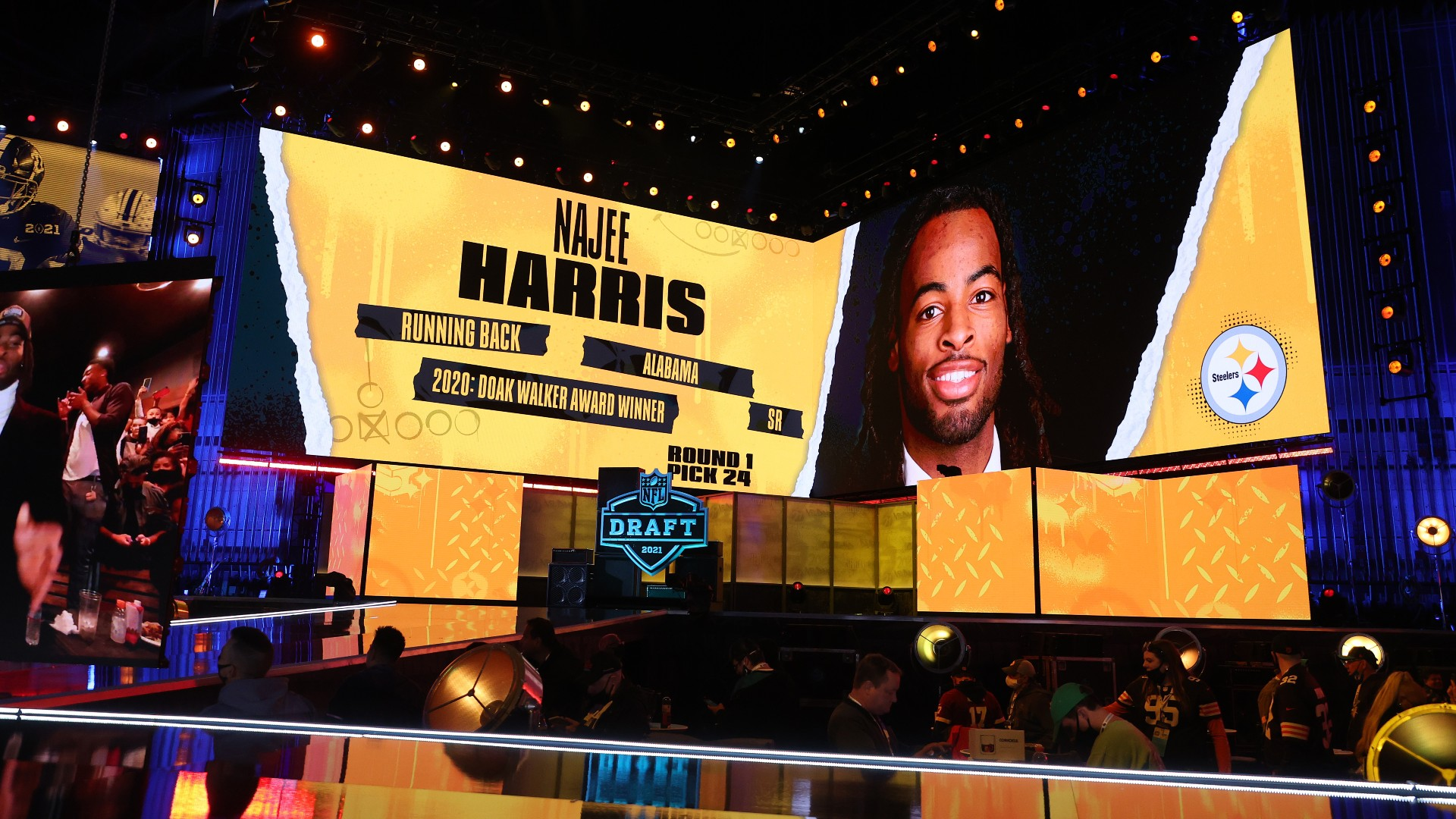 Najee Harris' writing shouldn't lead Steelers to overemphasize 'commitment' to running the game