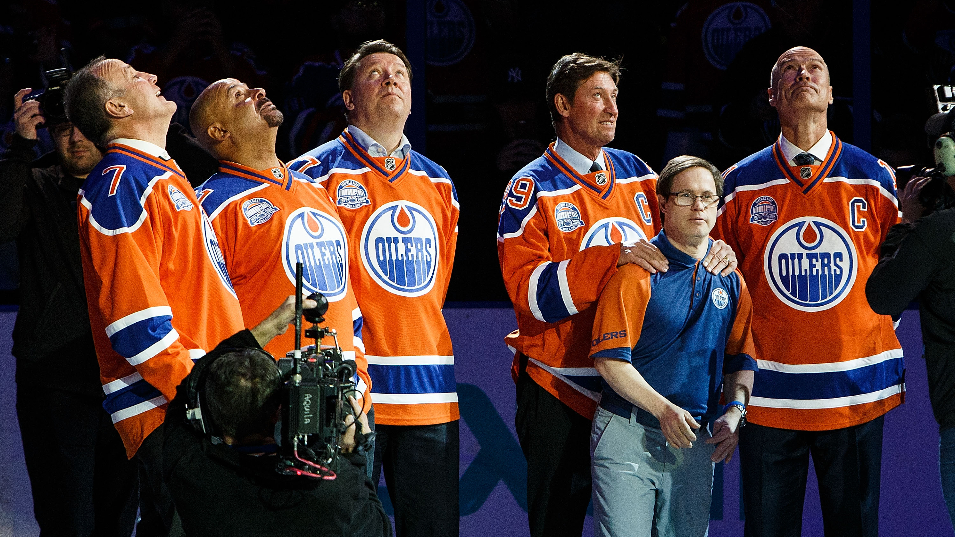 Joey Moss, beloved Edmonton sports figure, dies at 57: Wayne Gretzky, hockey world react