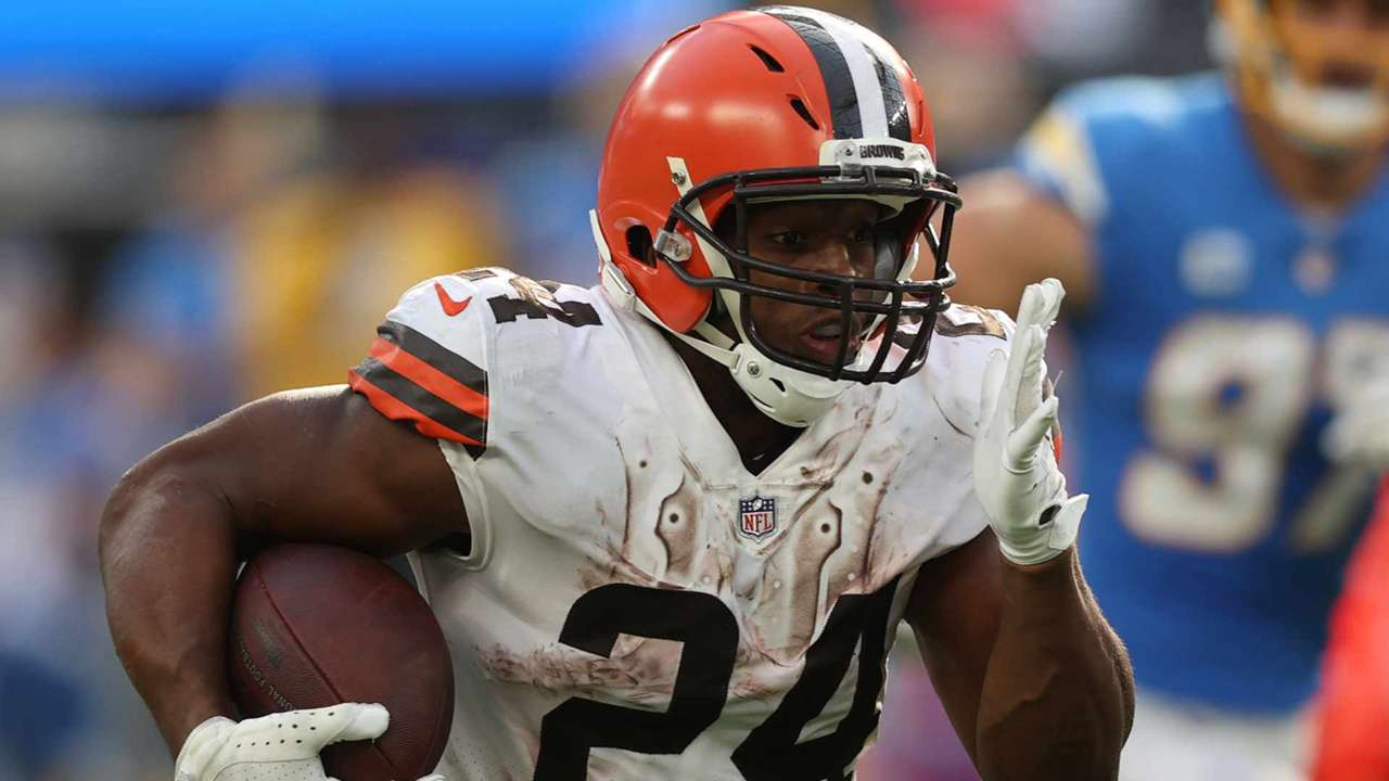 Nick-Chubb-10-15-GettyImages-1346025072