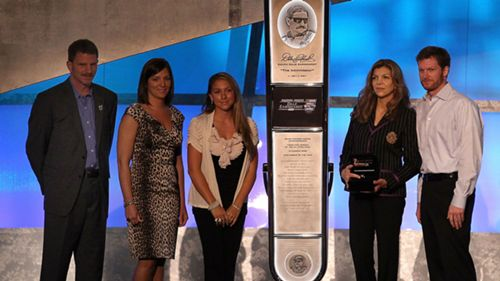 How Teresa Earnhardt Is Tarnishing Dale Earnhardt S Name And Legacy Sporting News When i get where i'm going (2005), dale (2007) and cmt insider (2004). how teresa earnhardt is tarnishing dale