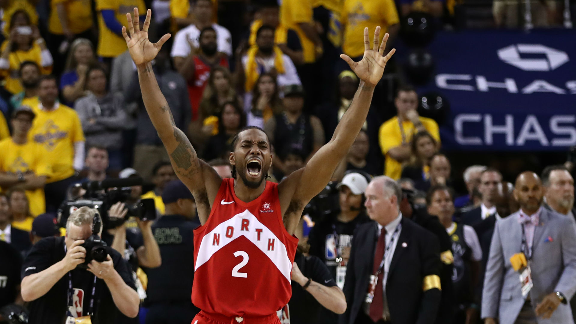 On one-year anniversary of Kawhi Leonard's 'The Shot,' Raptors fans react on social media 1
