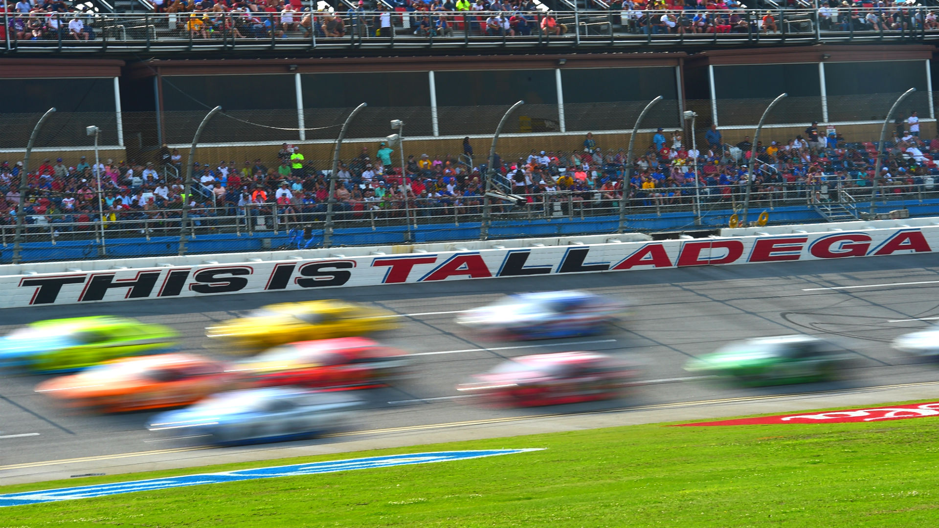 Odds for NASCAR race at Talladega: Expert picks & favorites to win Sunday's Cup Series race