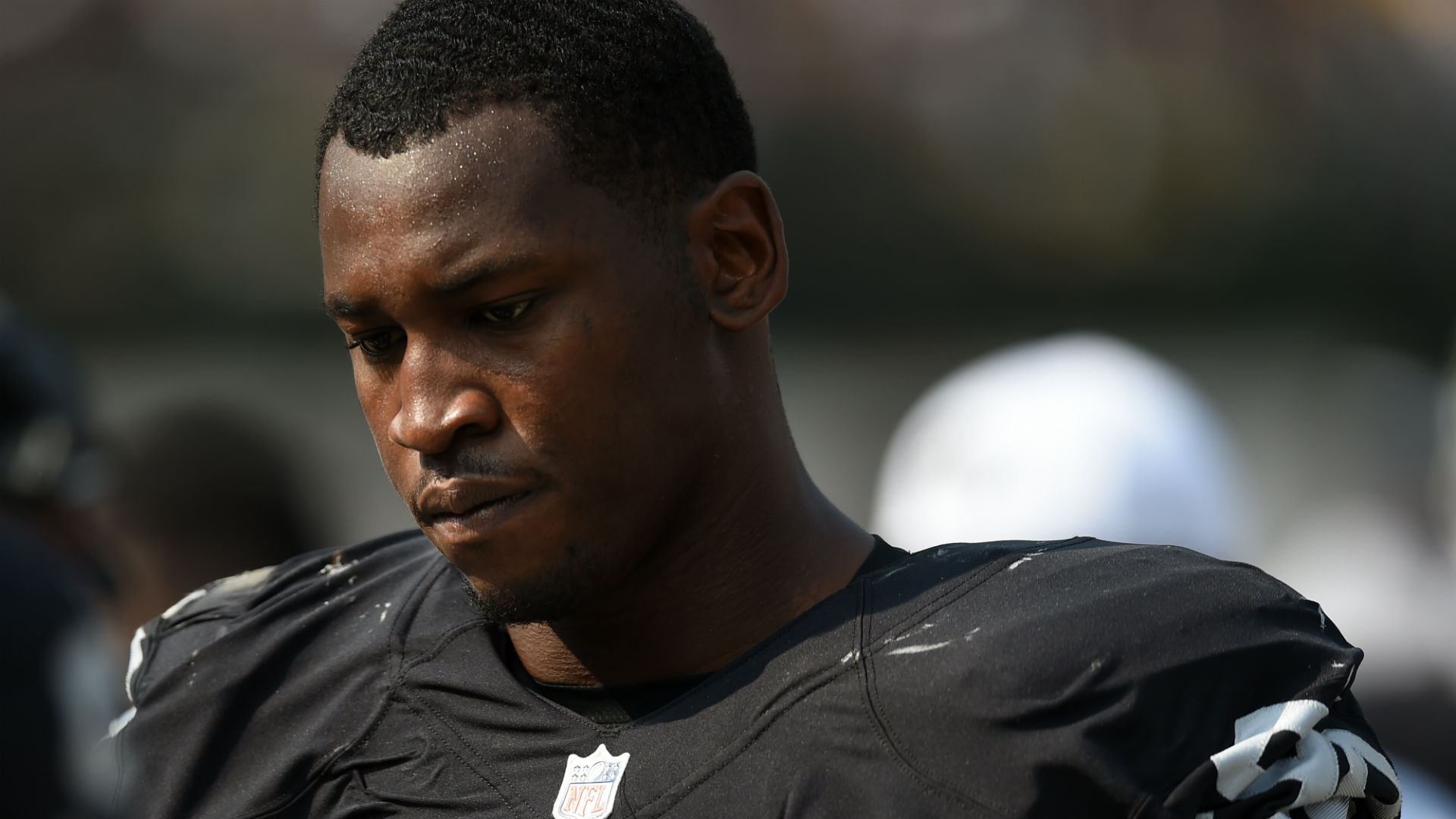 Seahawks' Aldon Smith wanted by police over second degree battery charge