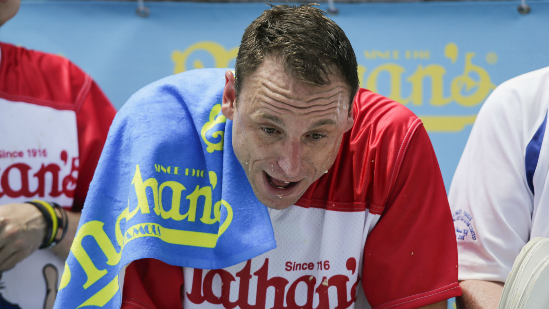 Joey Chestnut net worth: Updated career earnings, records for hot dog-eating king 1