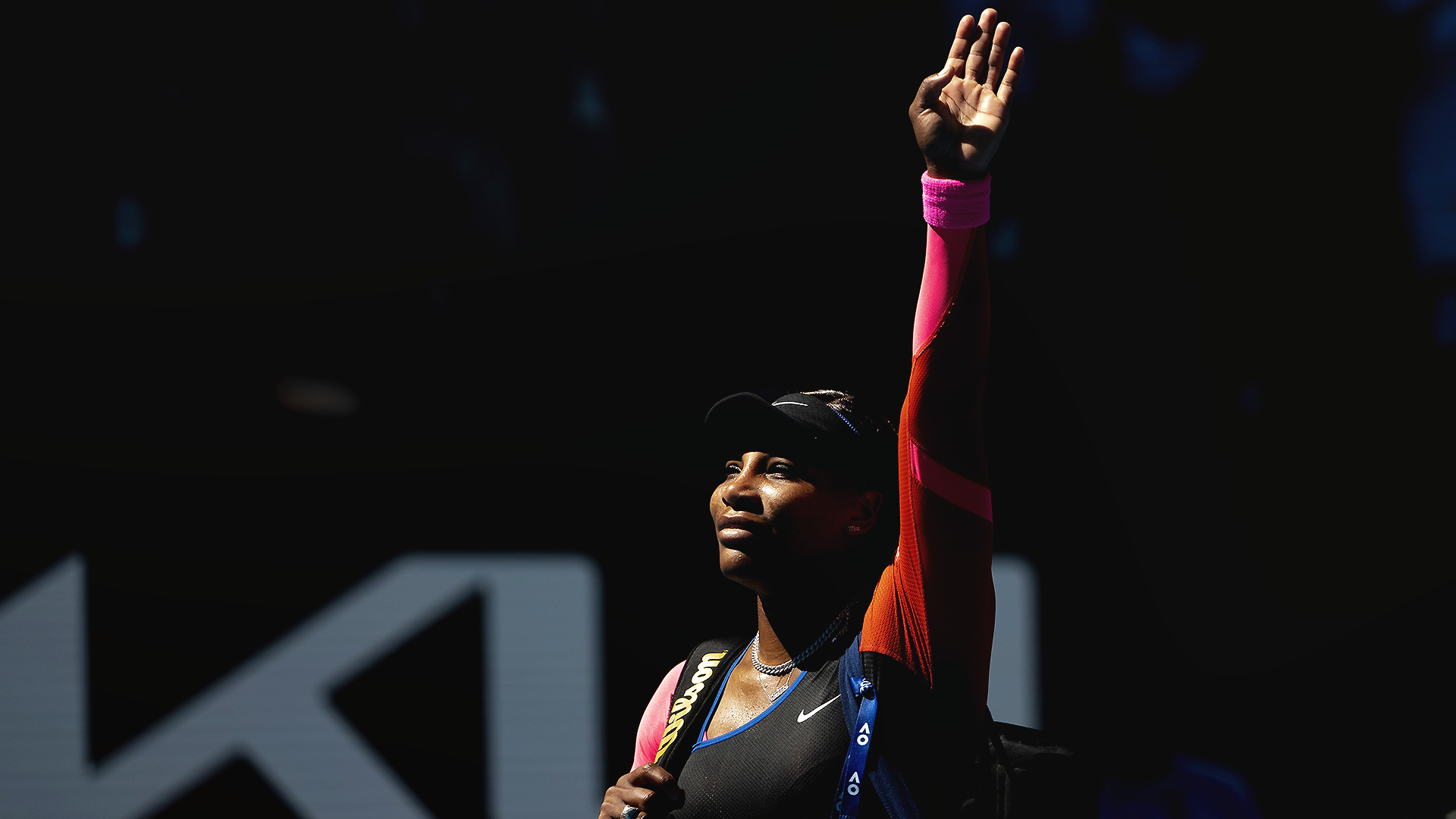 Serena Williams leaves Australian Open press conference in tears after Naomi Osaka loss
