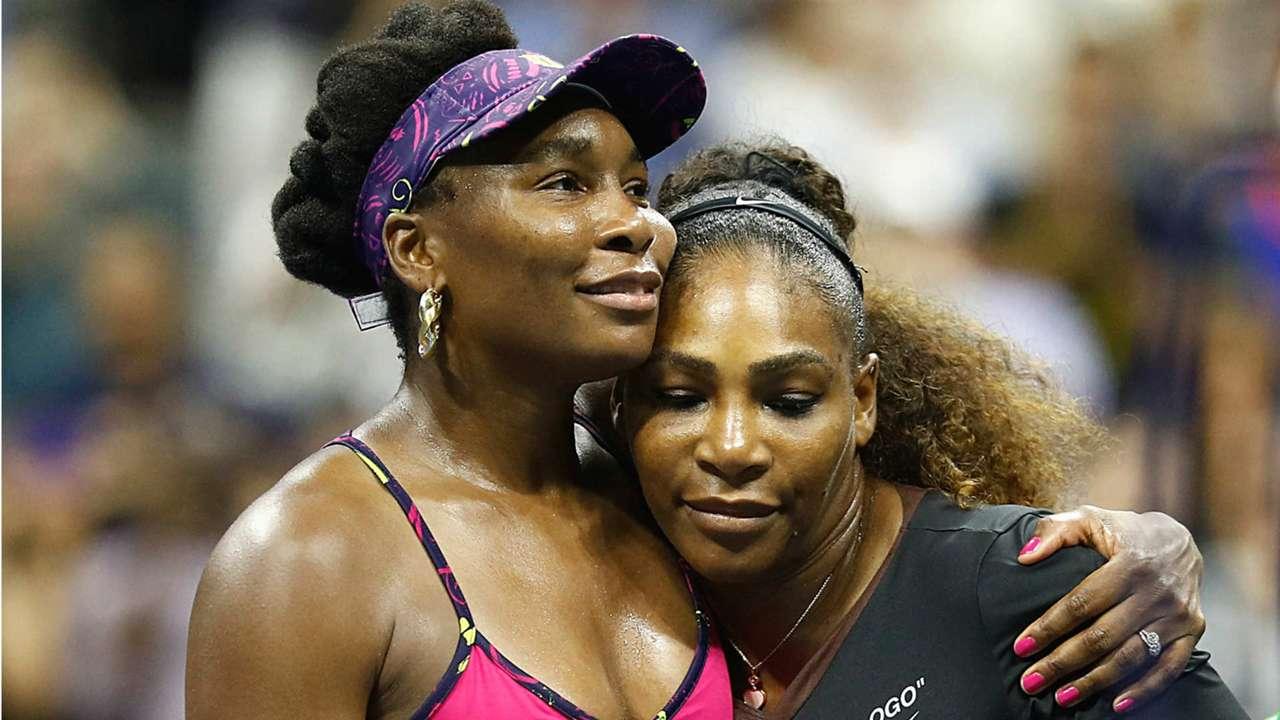 Venus-Serena-hug-083118-Getty-FTR.jpg