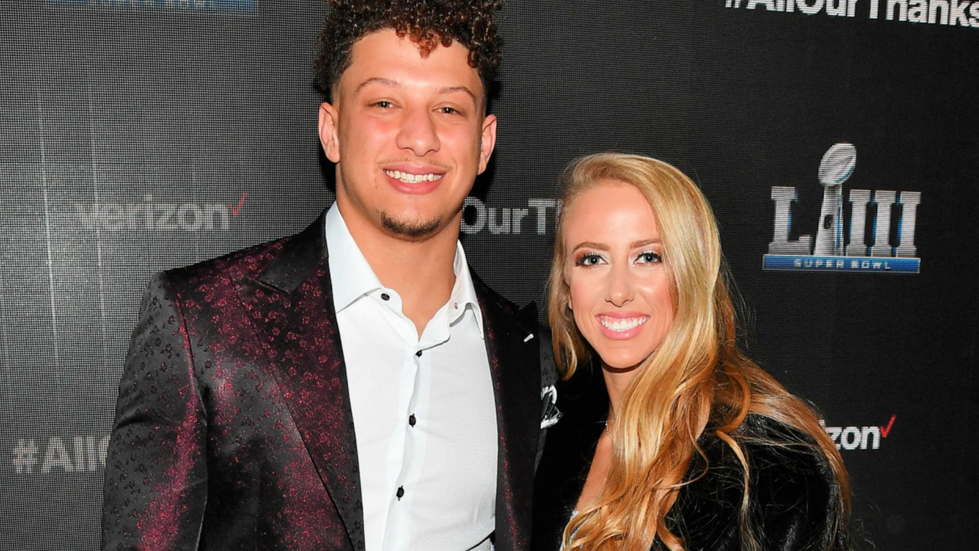 Patrick Mahomes Fiancee Brittany Matthews Announce First Child On The Way Sporting News
