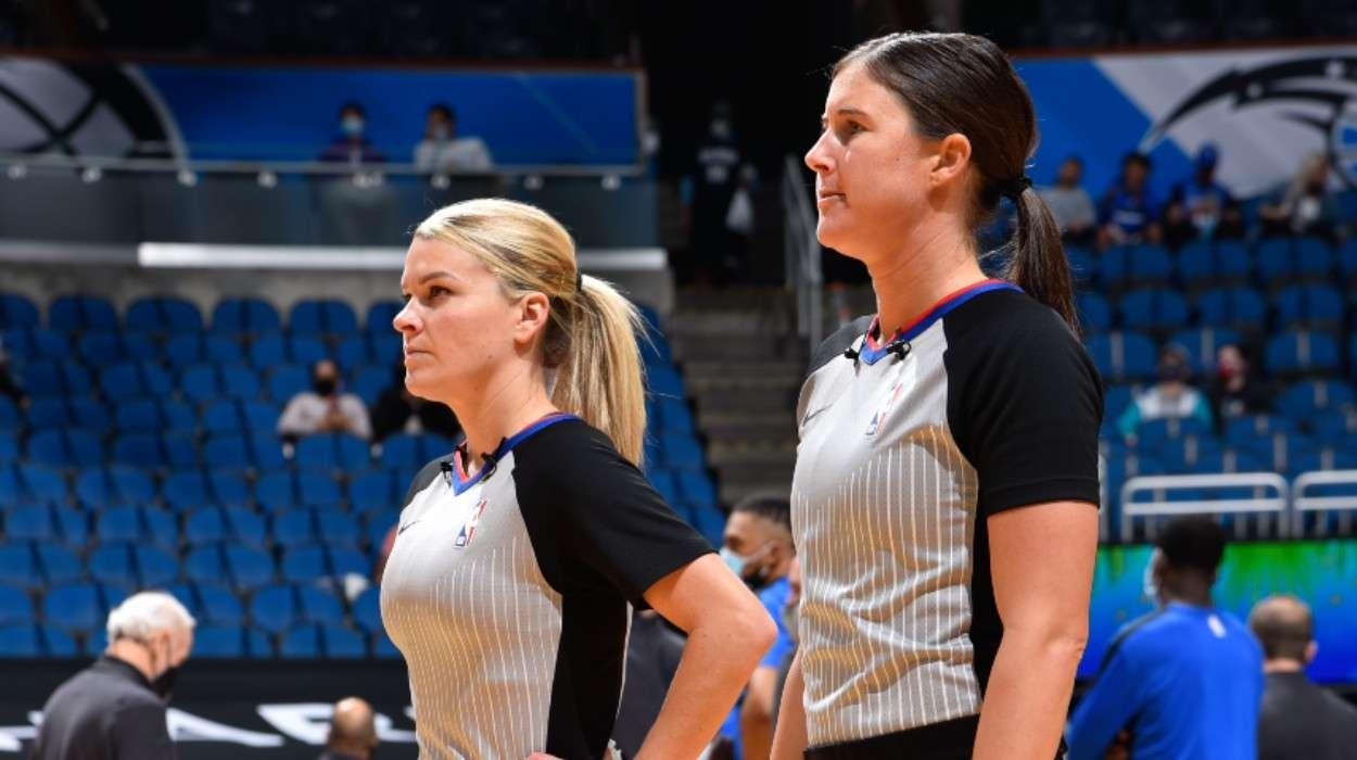 Referee Jenna Schroeder Natalie Sago