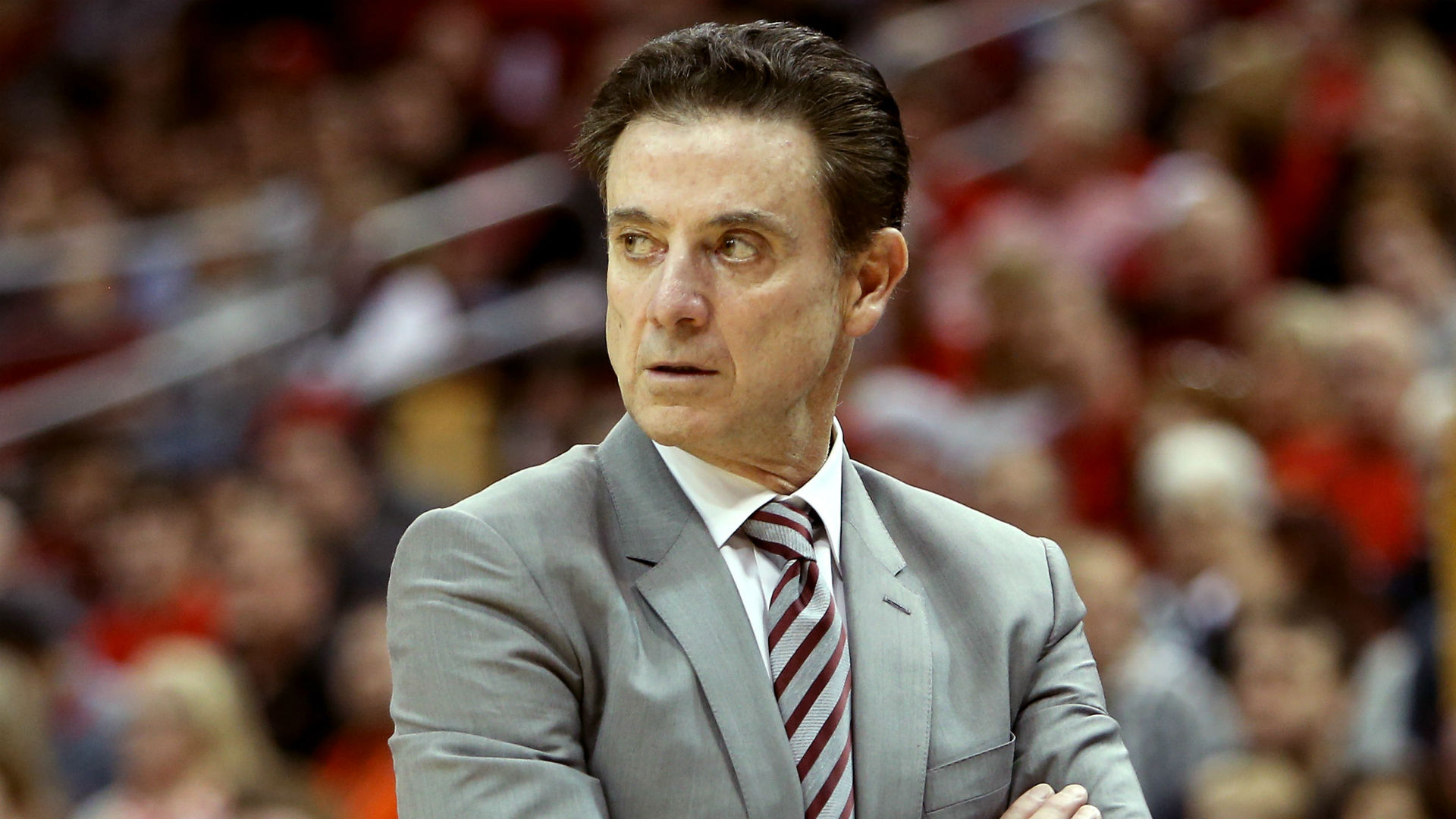 WWE-obsessed Rick Pitino proposes wager with son over Iona-Minnesota scheduling