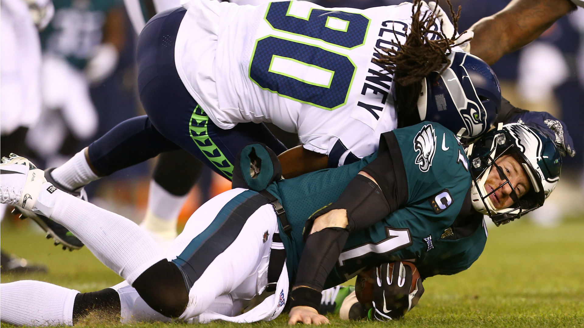 Carson Wentz Injury Update Violent Hit Knocks Eagles Qb Out Of Wild Card Playoff Game Sporting News