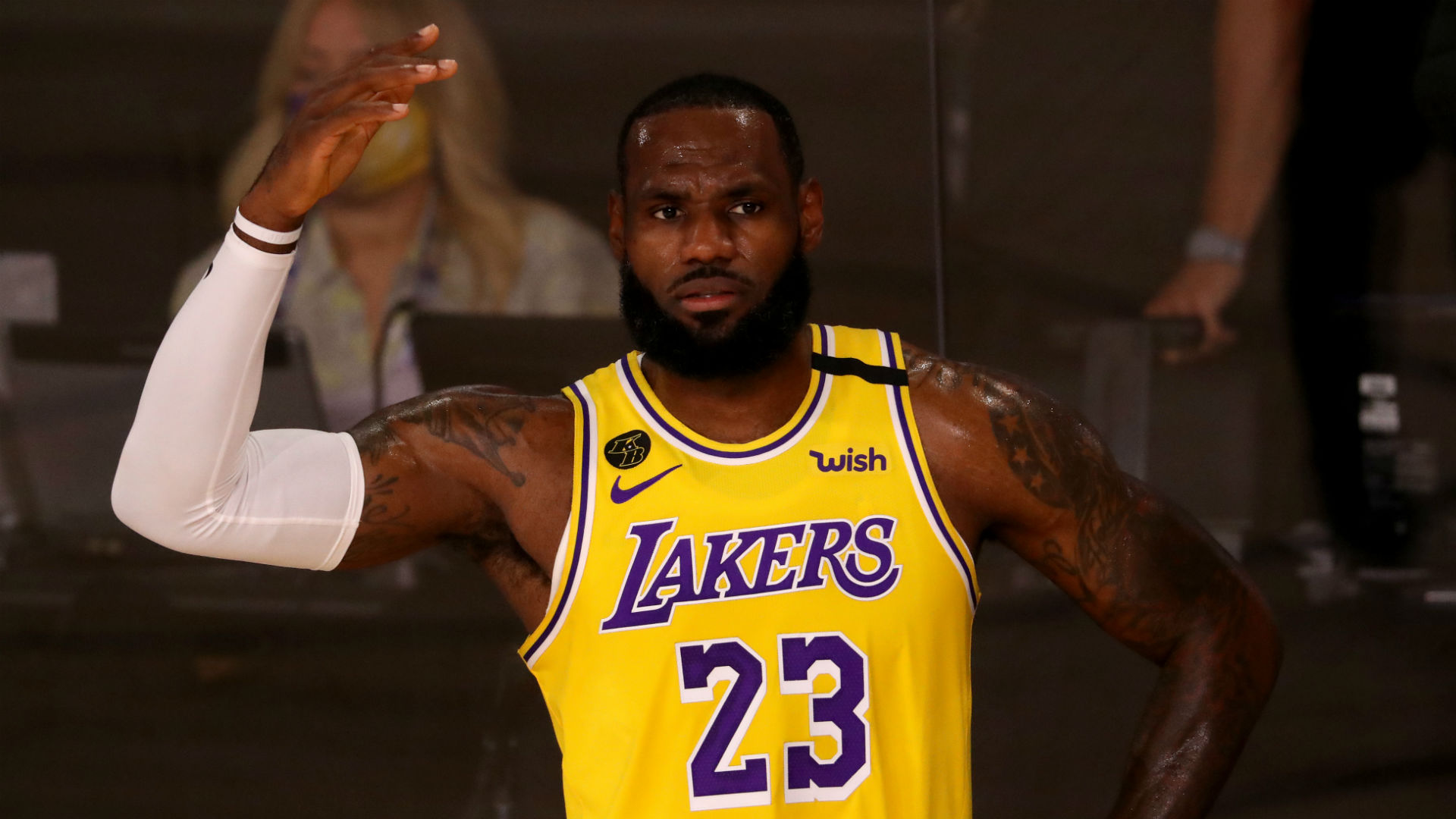 LeBron James proves in Lakers' win over Clippers that he can still be one of NBA's best defenders 1