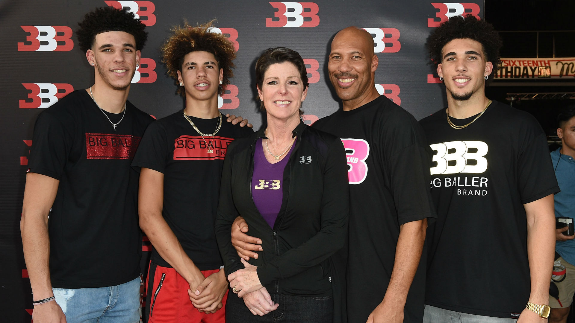 Where Are The Ball Brothers Now Lonzo Lamelo And Liangelo Find Mixed Success In Nba Sporting News Canada