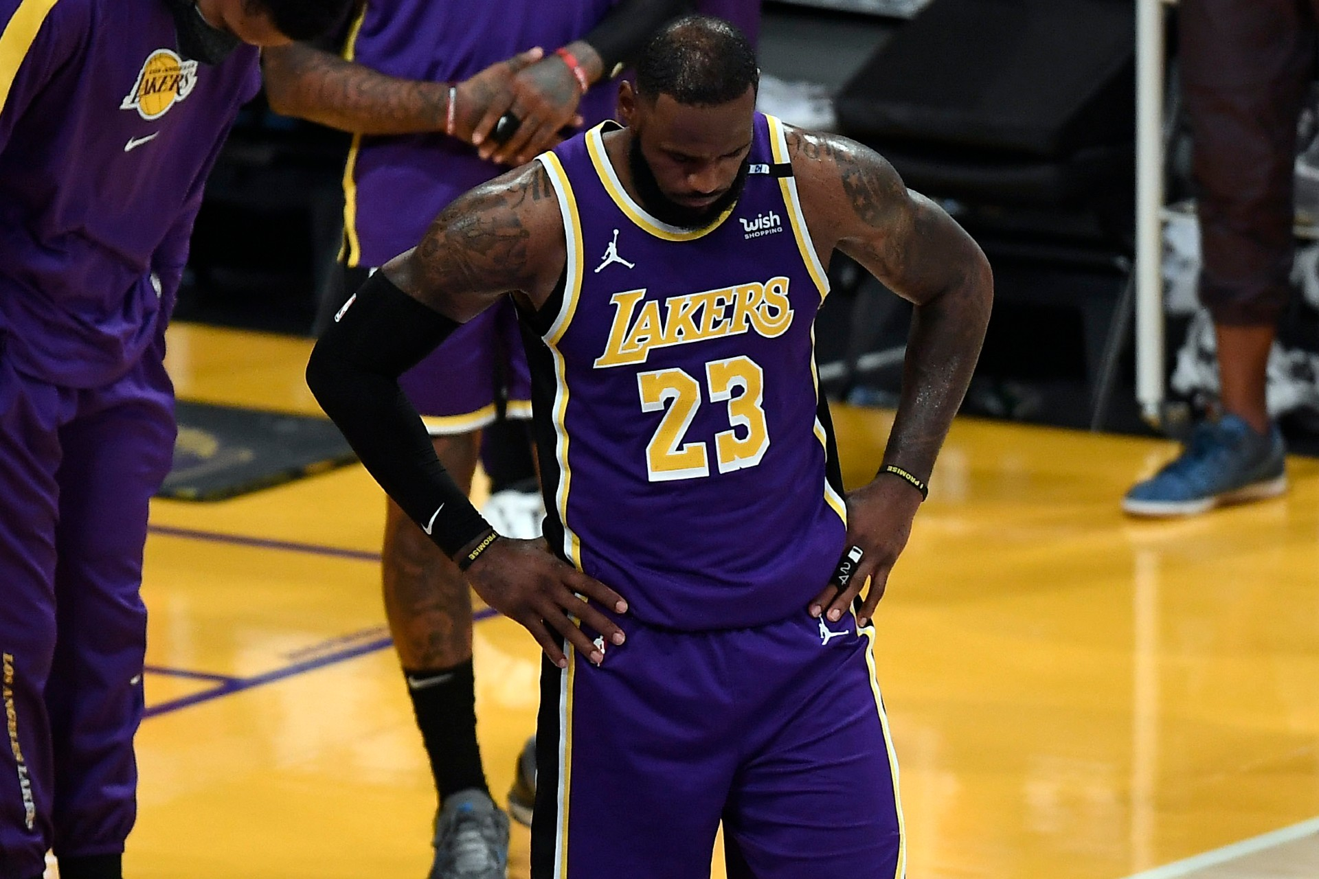 LeBron James injury update: Lakers star to rest ankle against Nuggets with Los Angeles