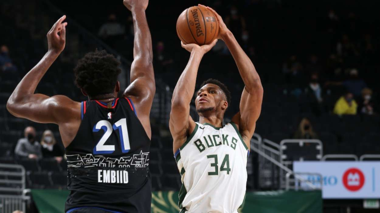 Giannis Antetokounmpo Milwaukee Bucks Philadelphia 76ers