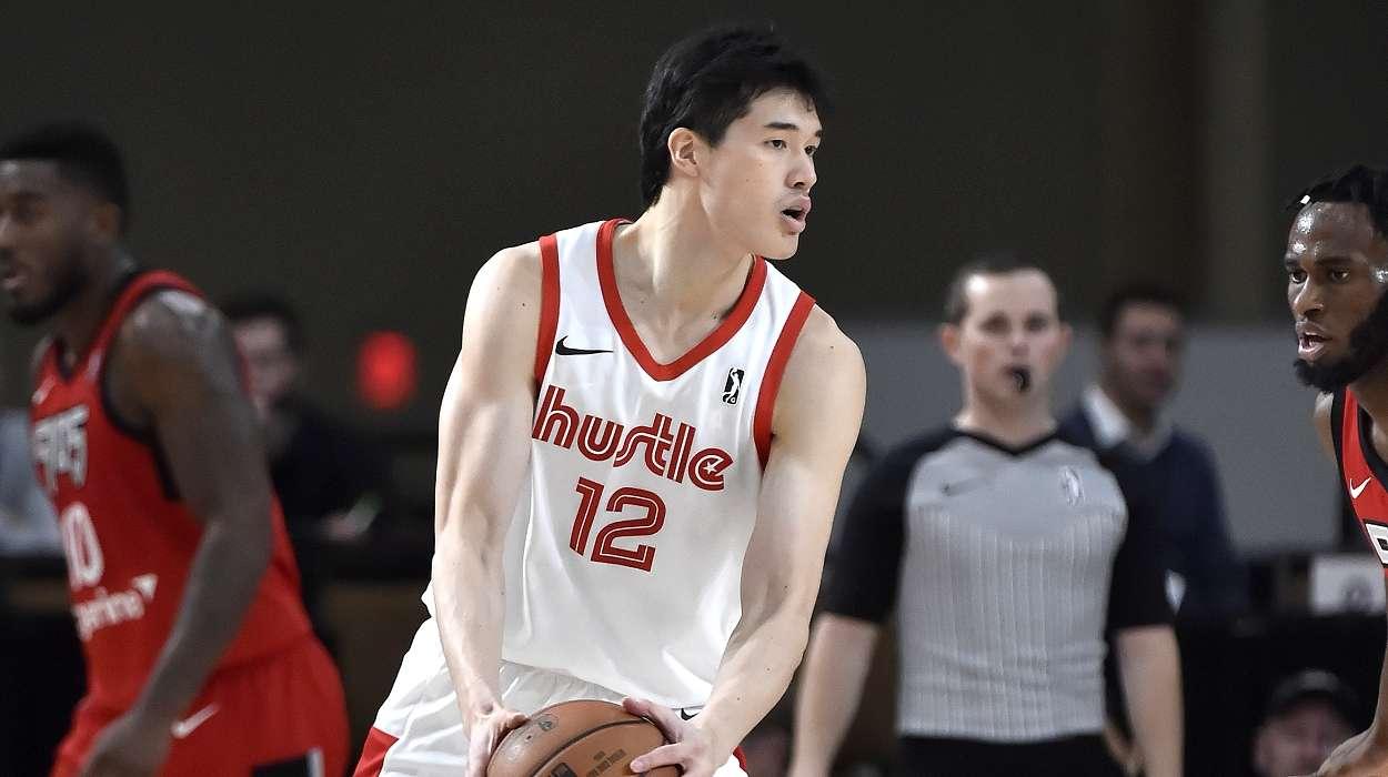 渡邊雄太 Yuta Watanabe #12 of the Memphis Hustle