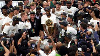 Bucks-NBA-trophy-072021-Getty-FTR.jpg