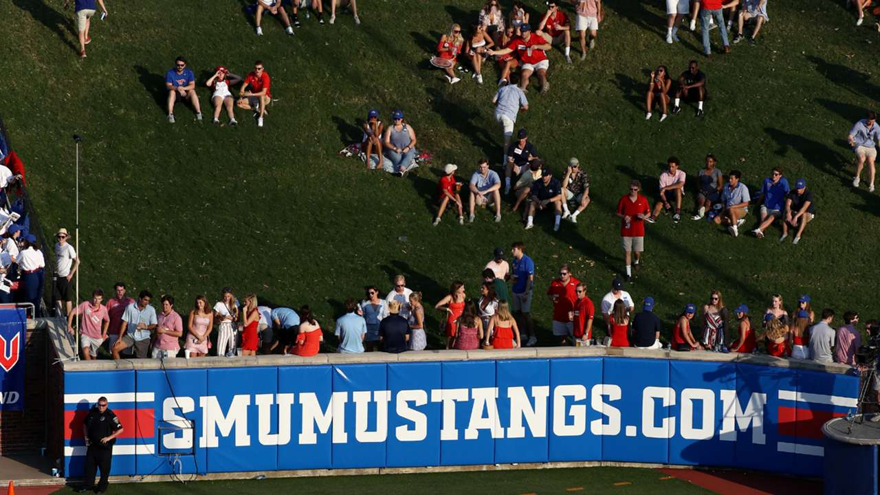 SMU student section-100320-GETTY-FTR