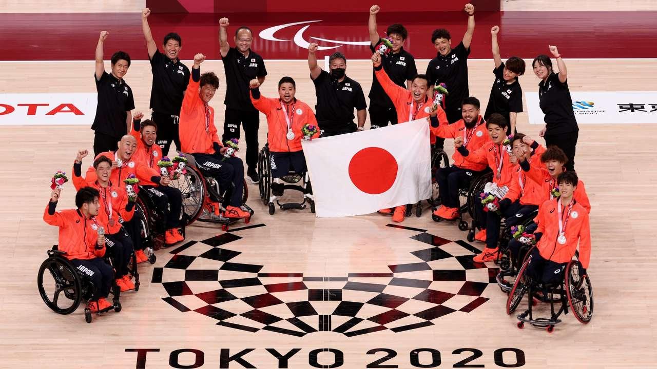 車いすバスケ 男子日本代表 パラリンピック銀メダル