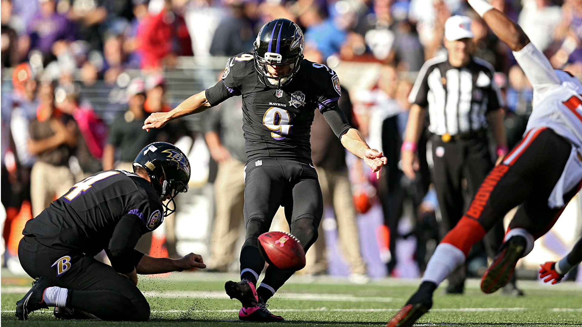 Ravens Justin Tucker Uses His Head As Vaccination For Nfl Kicking Plague Sporting News