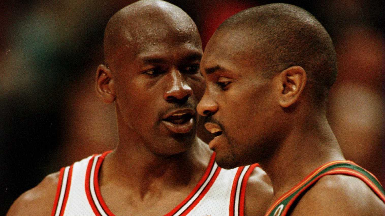 Michael Jordan laughs at Gary Payton, says 'The Glove' couldn't guard him 1