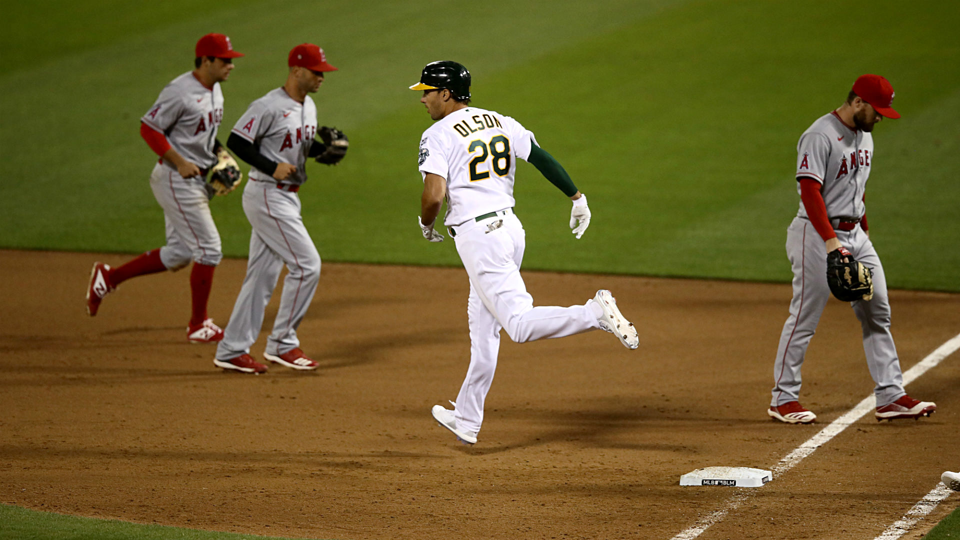 Angels, A's make MLB history by being first to play under 2020 rule for extra innings 1