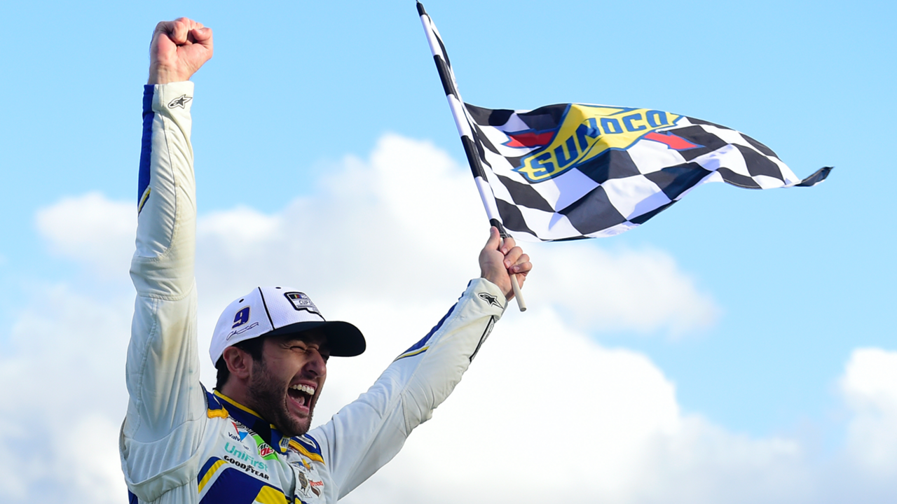 Elliott-checkered-flag-110820-getty-ftr