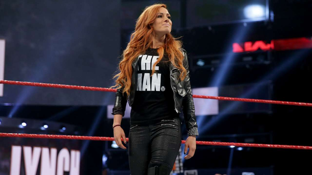 Just after Ronda Rousey retains her Raw Women's Championship, Becky Lynch hits the ring!