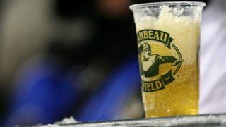 Lambeau-beer-100815-Getty-FTR.jpg