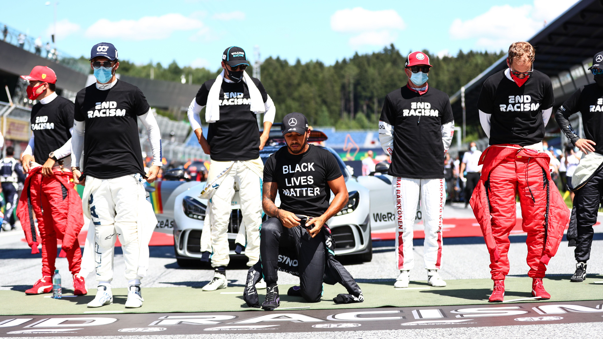 F1 drivers split over anthem kneeling, how to fight racism: 'Silence is generally complicit' 1