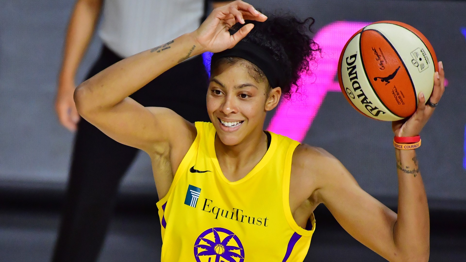 Candace Parker schools Shaquille O'Neal during 'NBA on TNT' discussion of modern defense